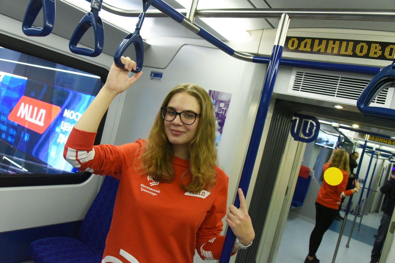 Пассажиров будут перевозить поезда «Иволга». Фото: Владимир Новиков