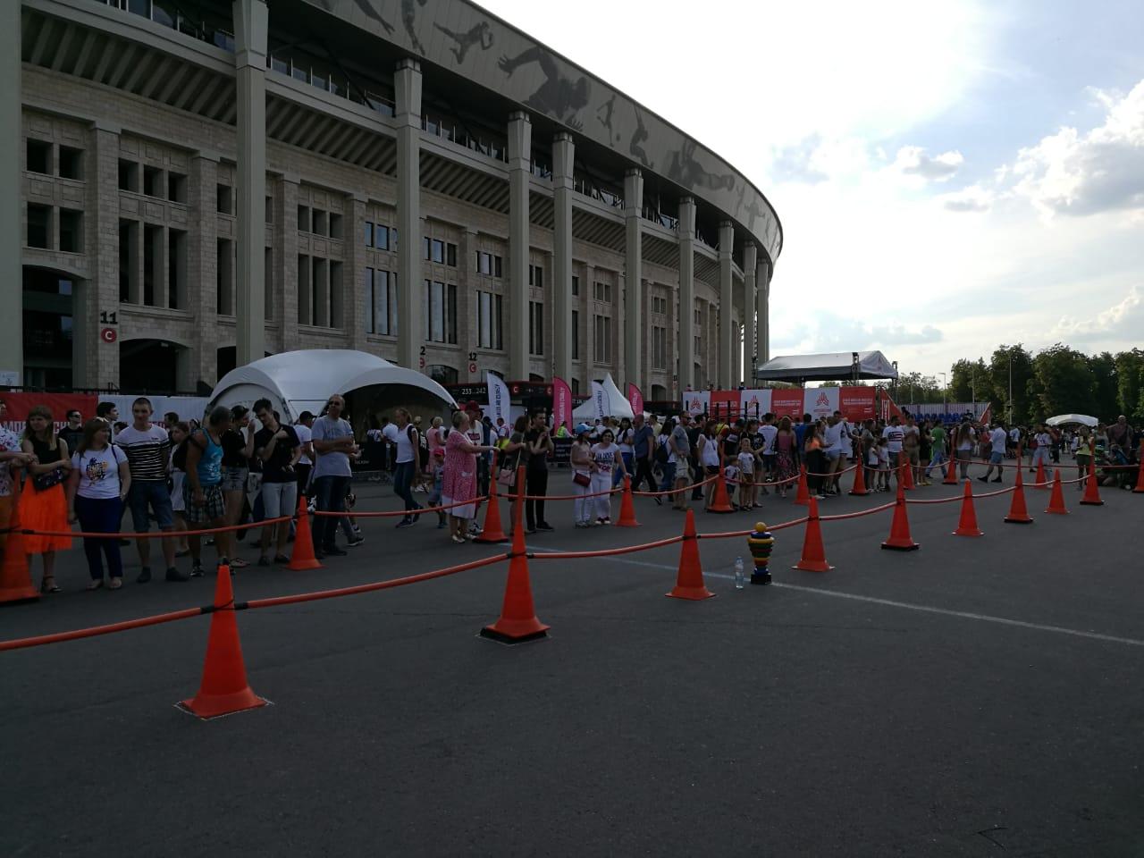 Детские гонки на беговелах провели в «Лужниках»