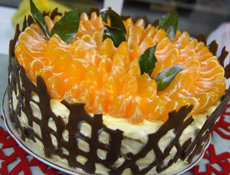 Калорийная битва: каждому участнику выдадут по два торта
