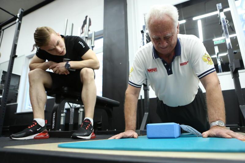 Программа «Московское долголетие» помогает пенсионерам поддерживать себя в форме