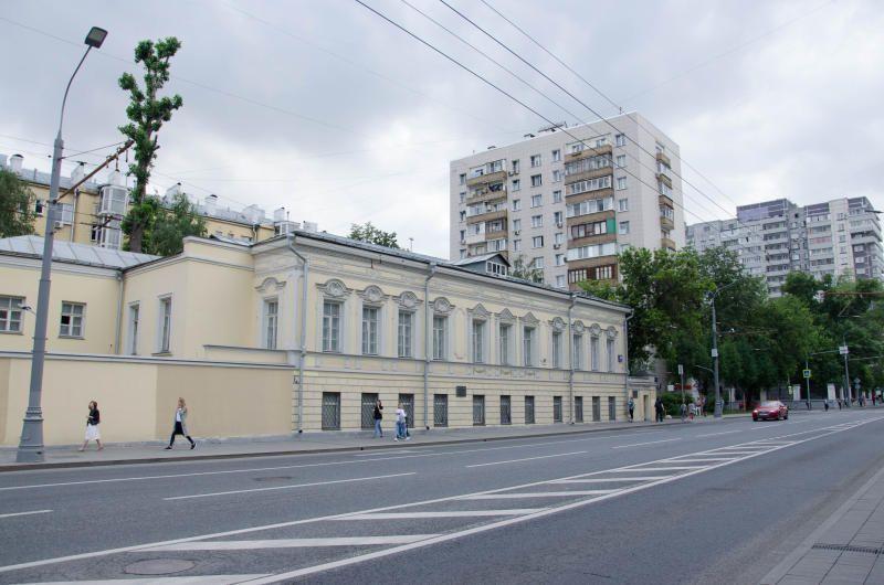 МВД: Около 3,5 тыс человек участвуют в несогласованной акции в Москве