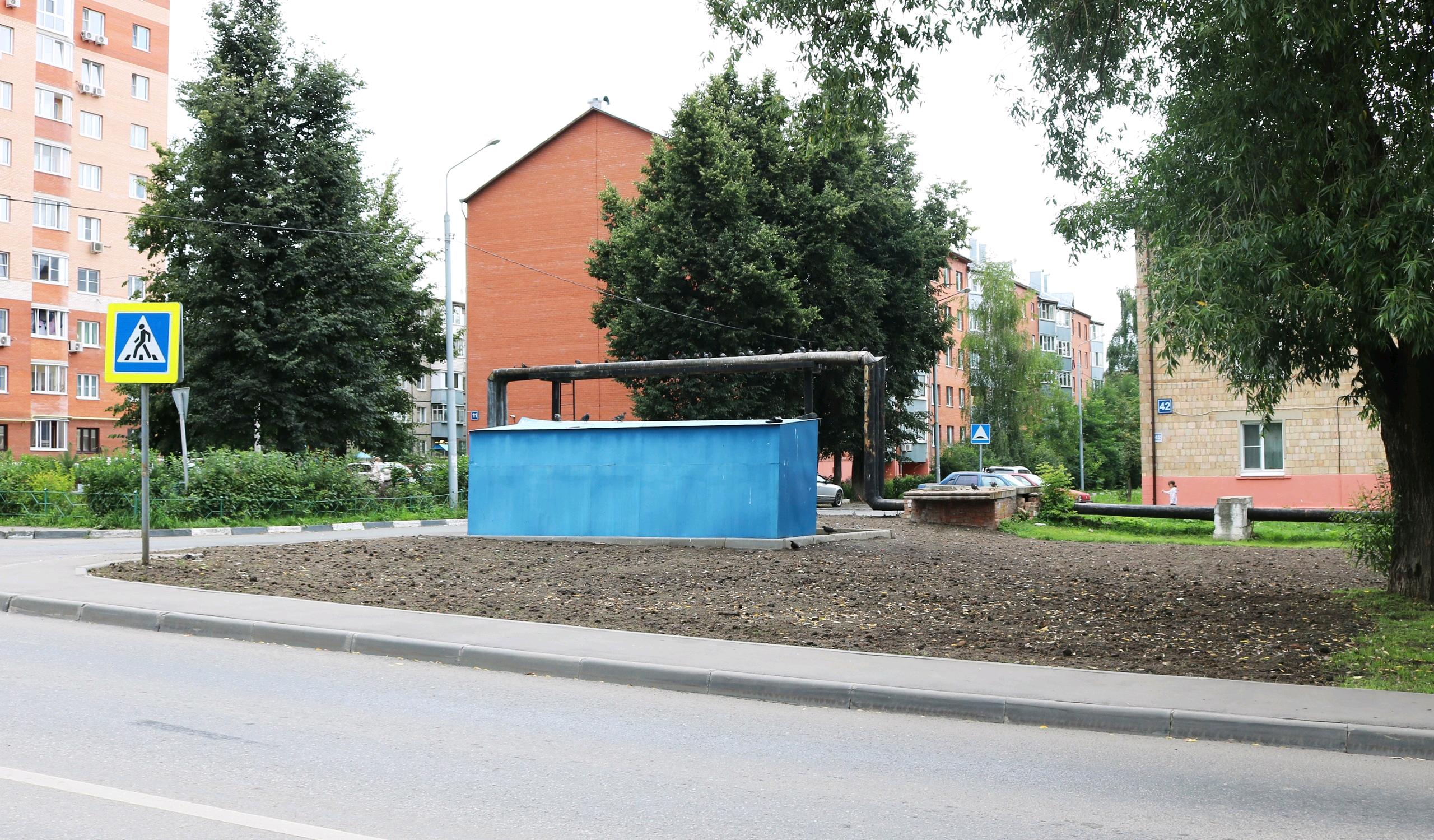 Газон в поселке Рязановского привели в порядок