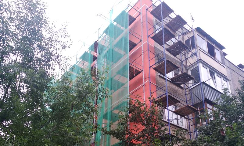 Фасады жилых домов утеплят в Рязановском