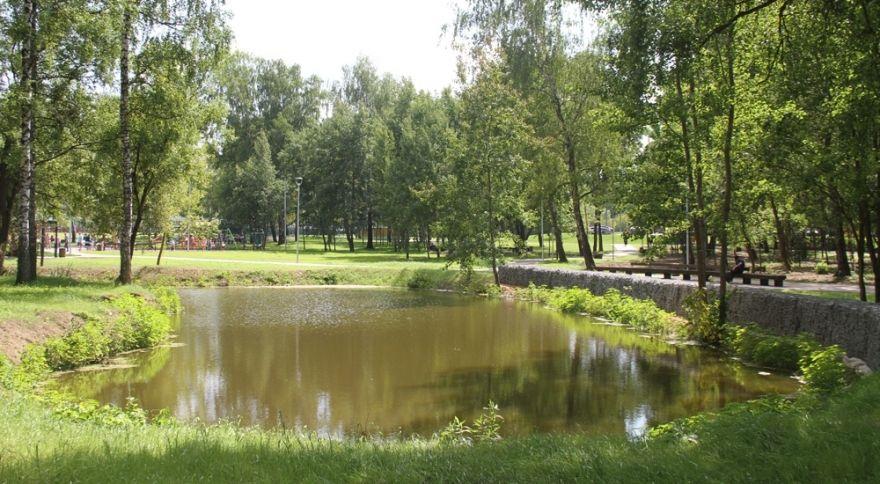 Специалисты благоустроили восточную часть парка Десеновского