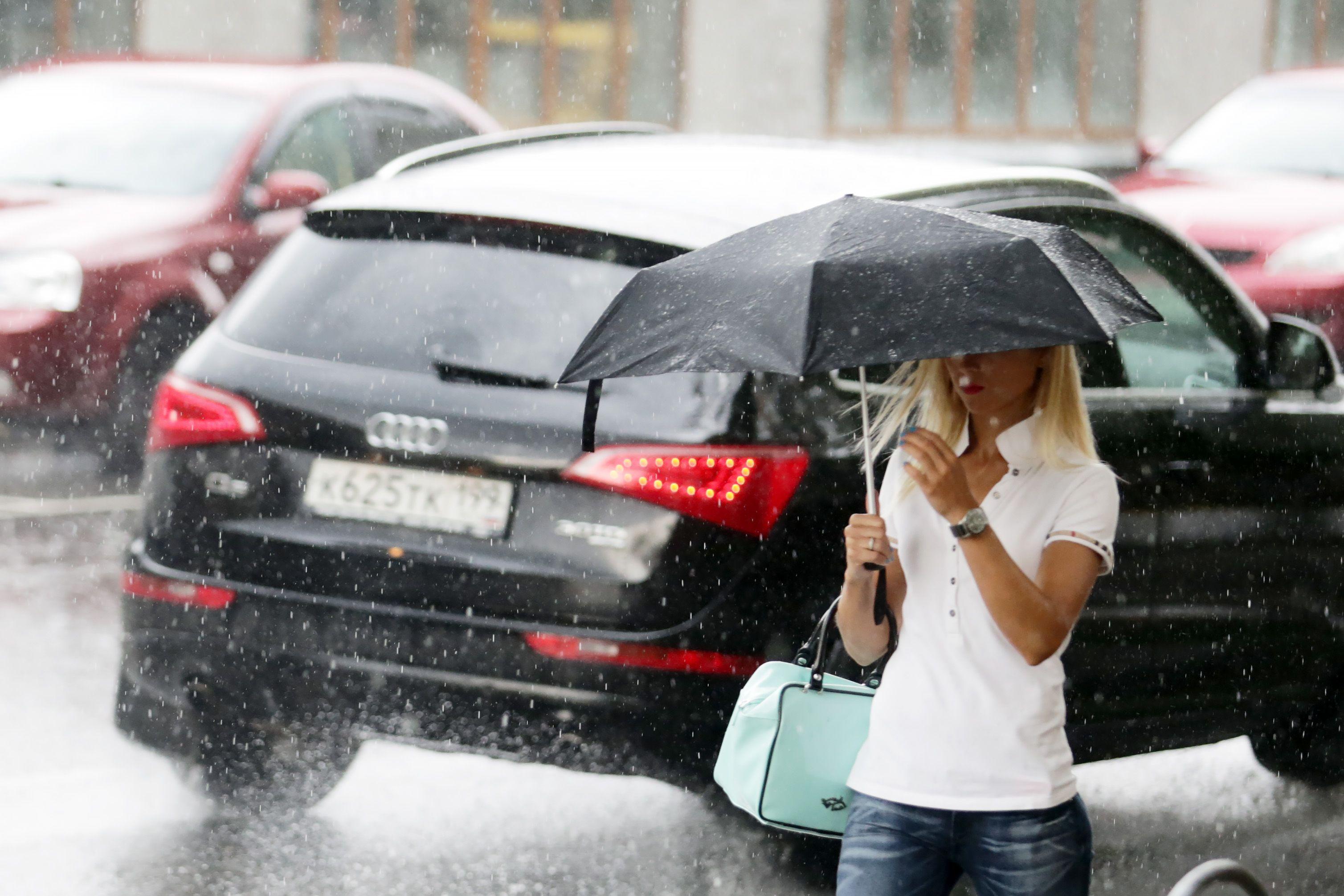 Москвичей накроет дождями на выходных