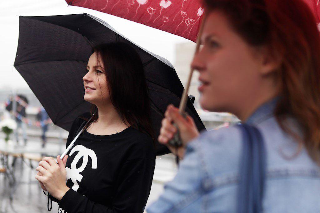Москвичей предупредили о дождливой погоде в выходные дни
