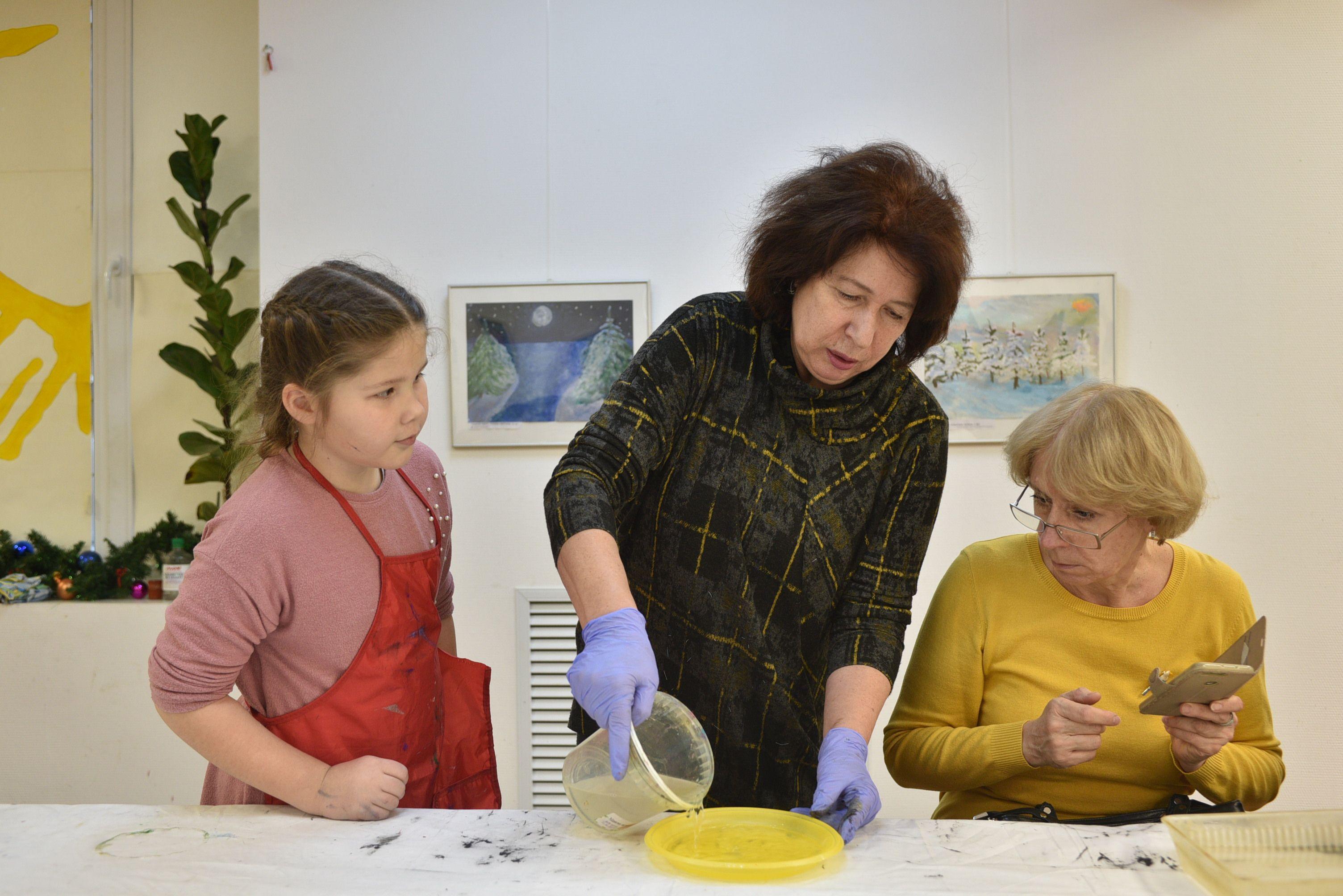 Воспитанники Филимонковского детского дома-интерната освоили технику рисования Эбру