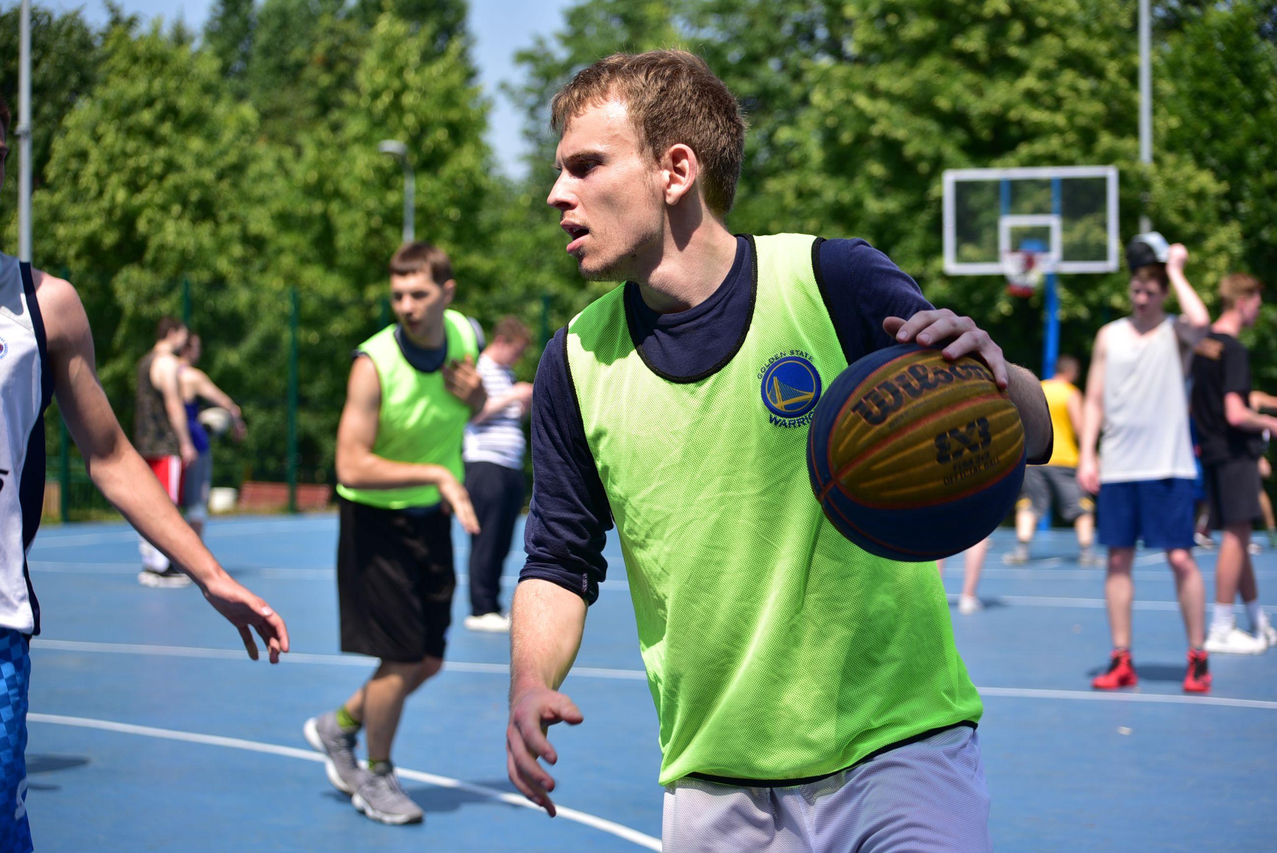 Жители Сосенского посостязаются в отборочных соревнованиях по стритболу