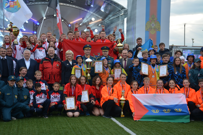 Сборная Москвы стала победителем соревнований «Школа безопасности»