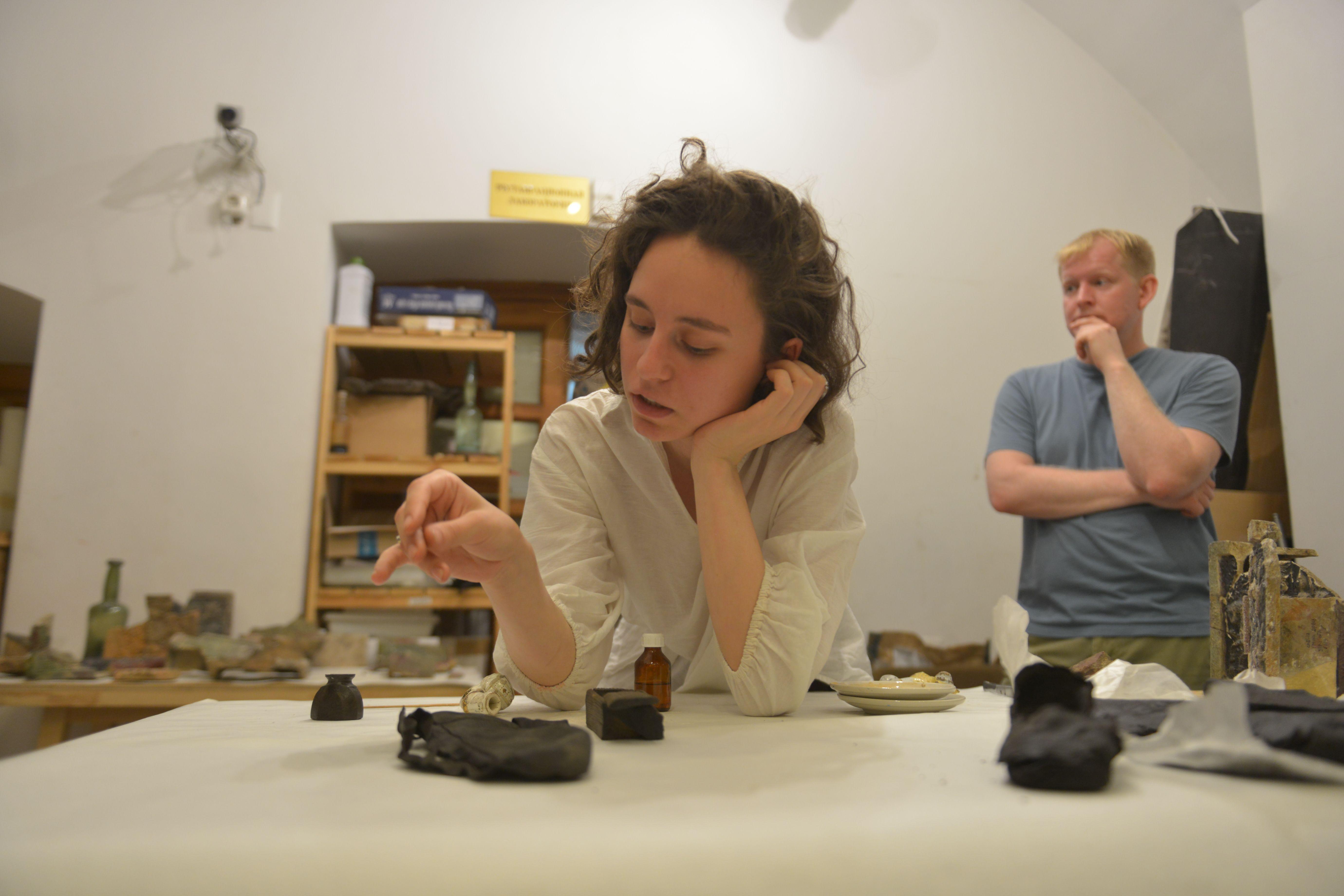 Московские археологи раскопали литейную мастерскую XVII века