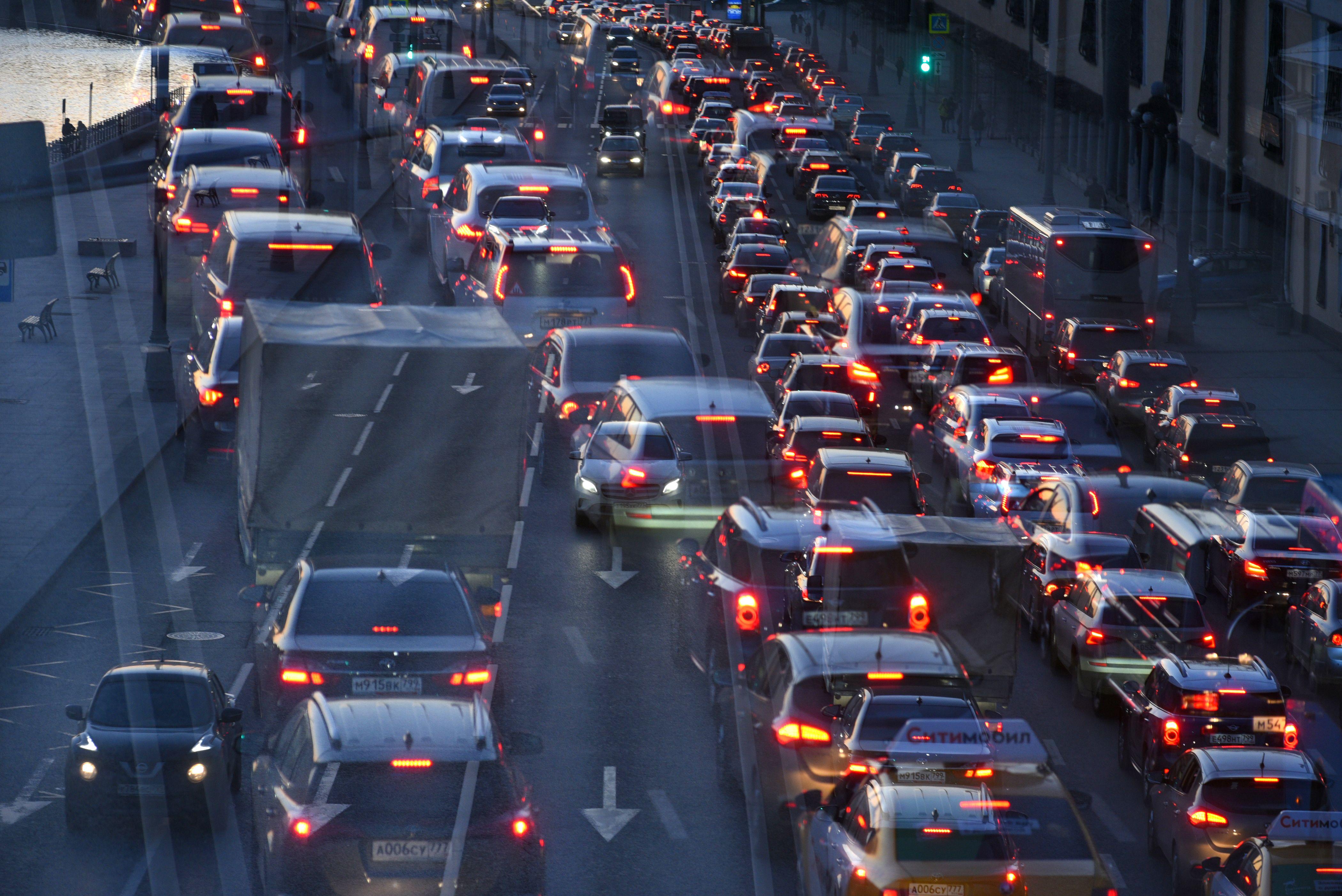 Количество автомобилистов на дорогах Москвы возрастает в сентябре