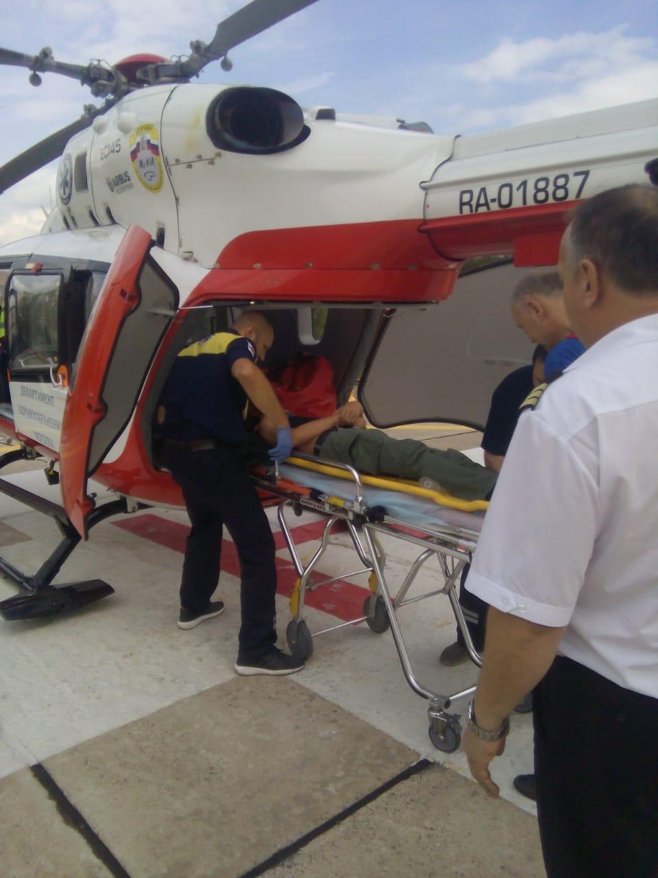 Экипаж дежурного санитарного вертолёта Московского авиационного центра вылетел по вызову после ДТП
