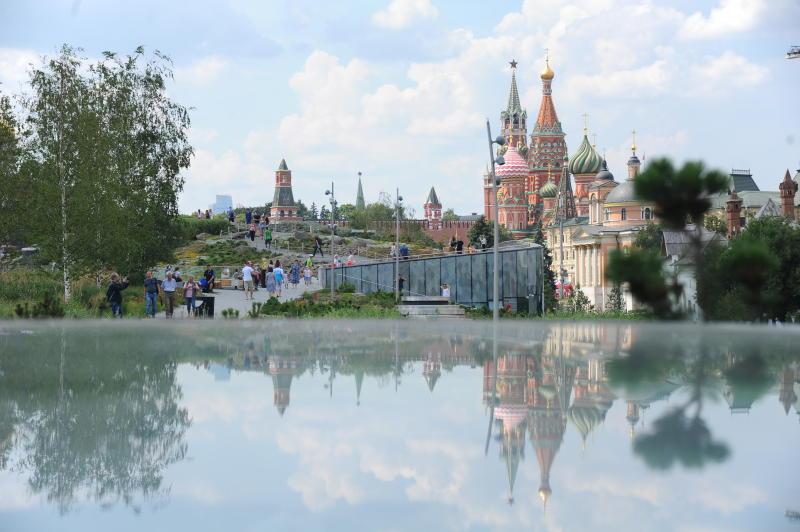 В «Зарядье» пройдет выставка работ участников «Московского долголетия». Фото: архив