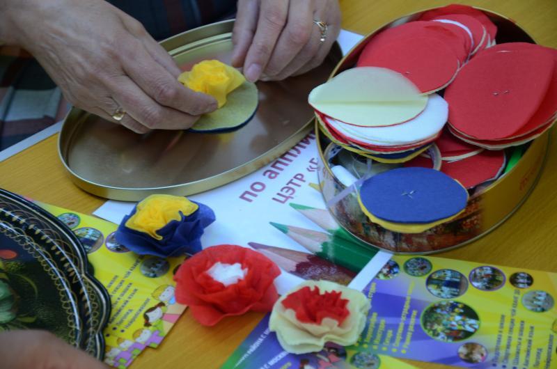 Мастер-класс по изготовлению игрушечных тыкв прошел в Марушкинском