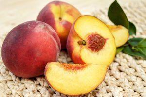 Персики. Фото: pixabay