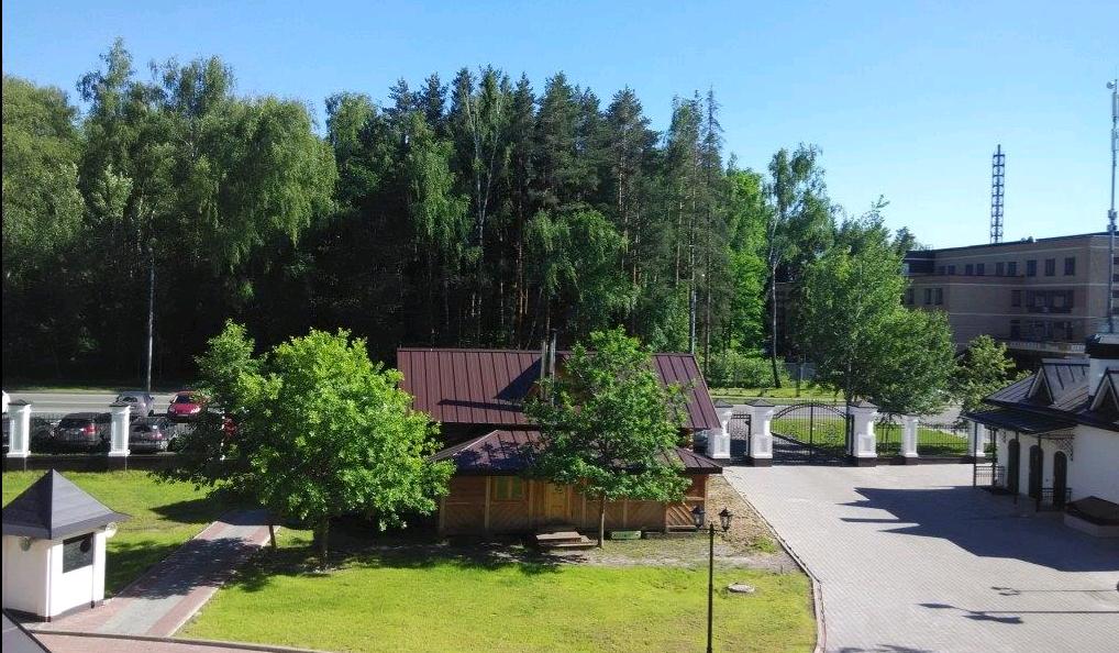 Рядом постелют новый газон. Фото: официальный сайт храма