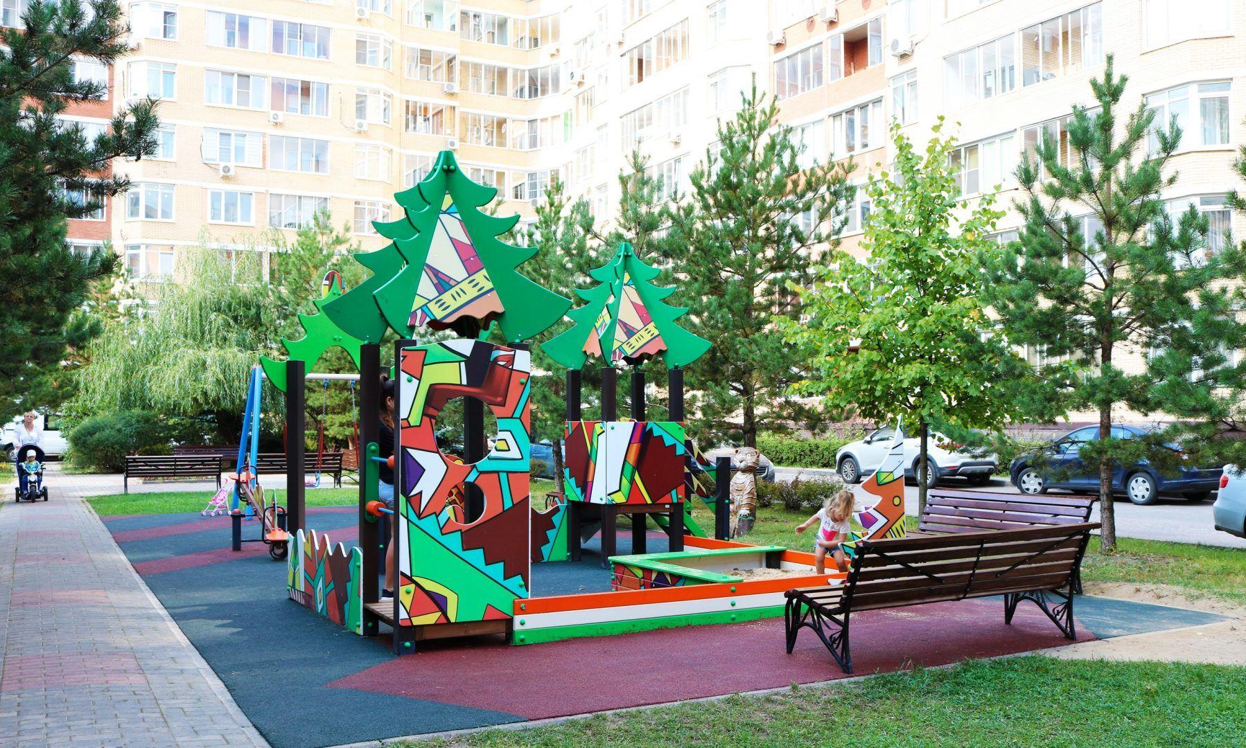 Современную детскую площадку установили в поселении Рязановское. Фото предоставили сотрудники администрации поселения Рязановское