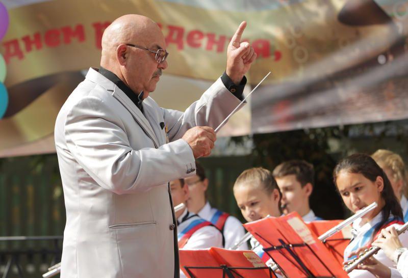 Артисты из Первомайского выступили в Троицке