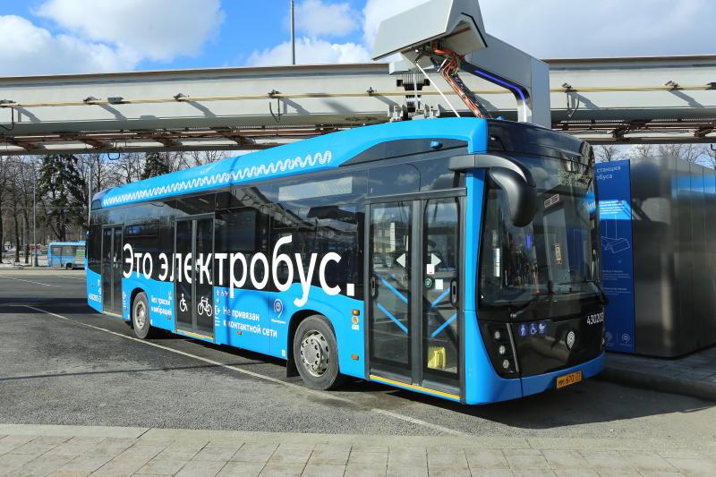 Ежедневно электробусами в Москве пользуется более 100 тысяч человек