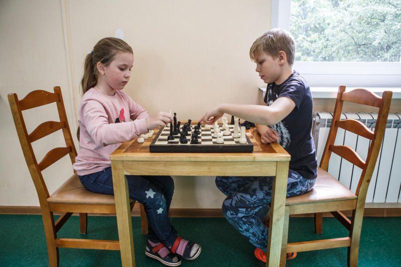 Соревнования по шашкам и шахматам пройдут в школе №2057