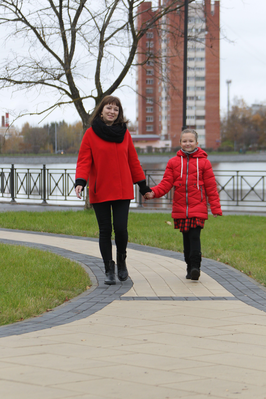 11 октября 2019 года. Вороновское. Анастасия Гулько с дочкой Алисой. Фото: Владимир Смоляков