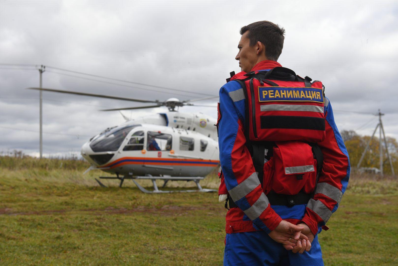Экипажи выполняют от пяти до семи вылетов ежедневно. Фото: Александр Кожохин, «Вечерняя Москва»