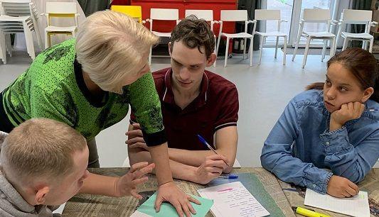 Воспитанники из Филимонковского присоединились к мастер-классу. Фото: официальная страница дома-интерната «Солнышко»