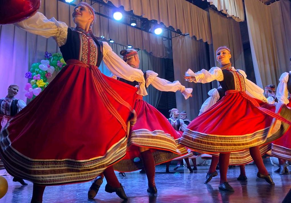 Более 150 творческих коллективов выступили на Краснопахорском фестивале «Венок дружбы»