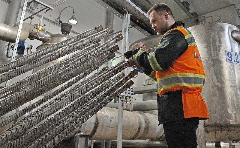 Водопровод проложат с использованием современных технологий отстаивания и фильтрации. Фото: Александр Кожохин, «Вечерняя Москва»