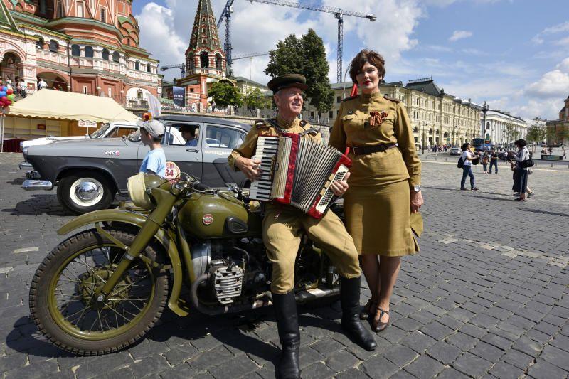 Сергей Ларионов в военной форме на фестивале ГУМ-Авторалли. Фото: Ирина Хлебникова