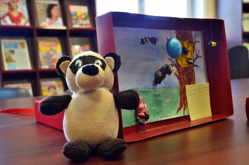 Выставку игрушек откроют в Троицкой библиотеке №2