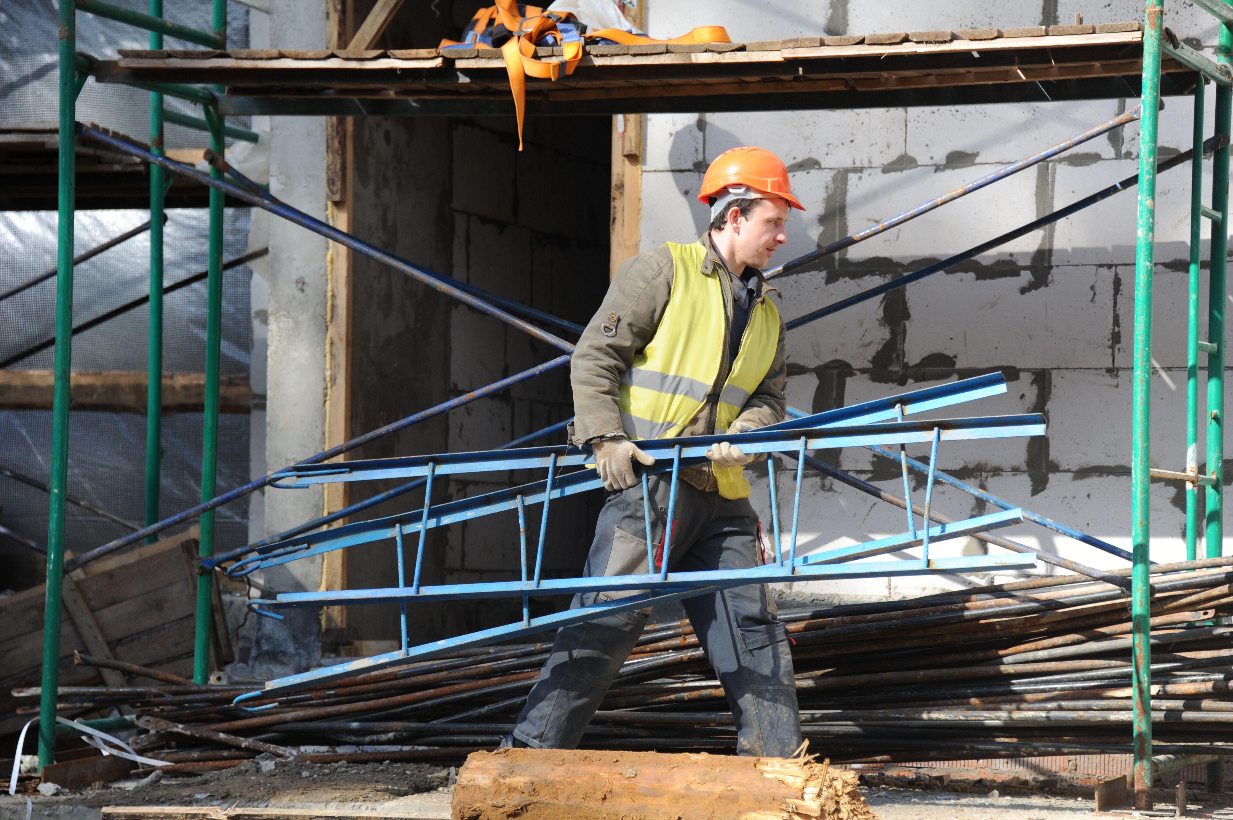 Производственный корпус достроят в Новой Москве