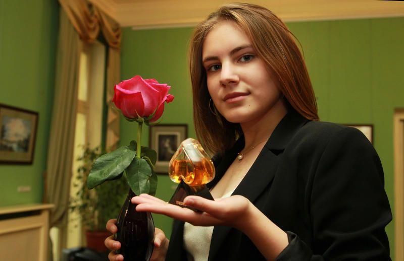 Выставка «Флакона силуэт душистый» состоится в Щаповском