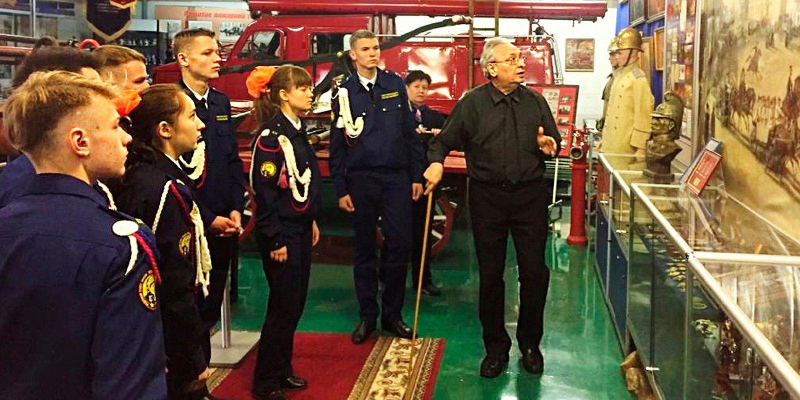 Гости с Байконура познакомились с пожарно-спасательной службой Москвы