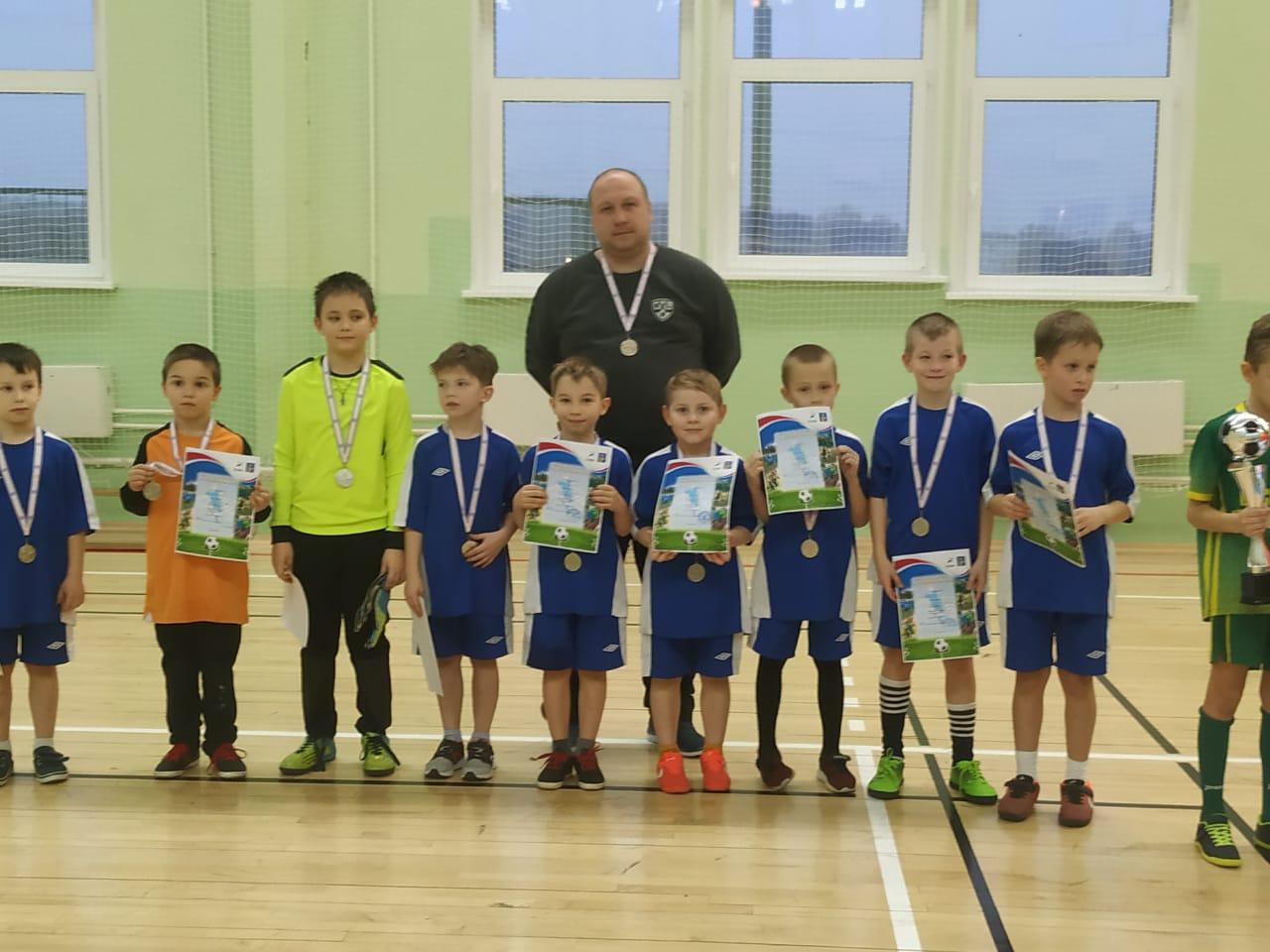 Юные футболисты из Кленовского стали серебряными призерами