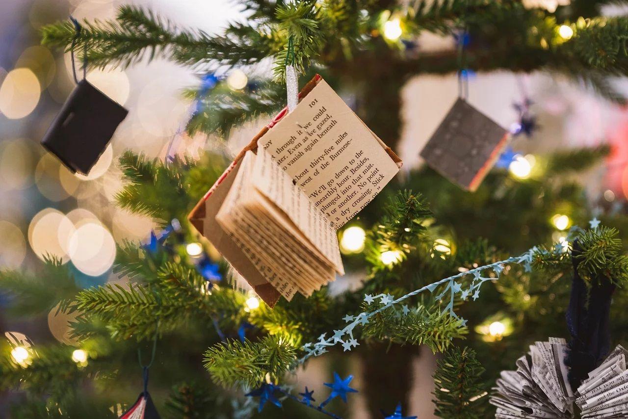 Мистика, фольклор и социальные темы: разнообразие произведений о Рождестве