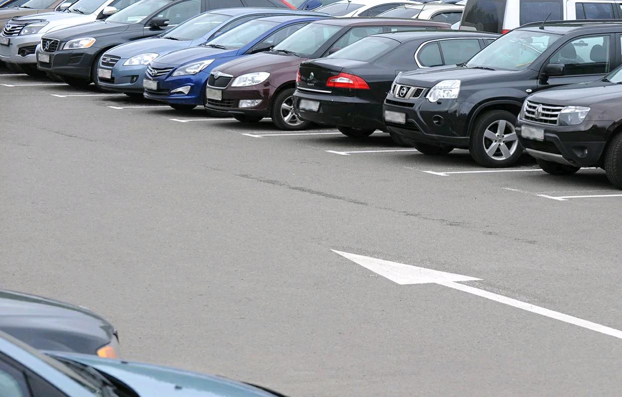 Три парковочных кармана создали в Щаповском