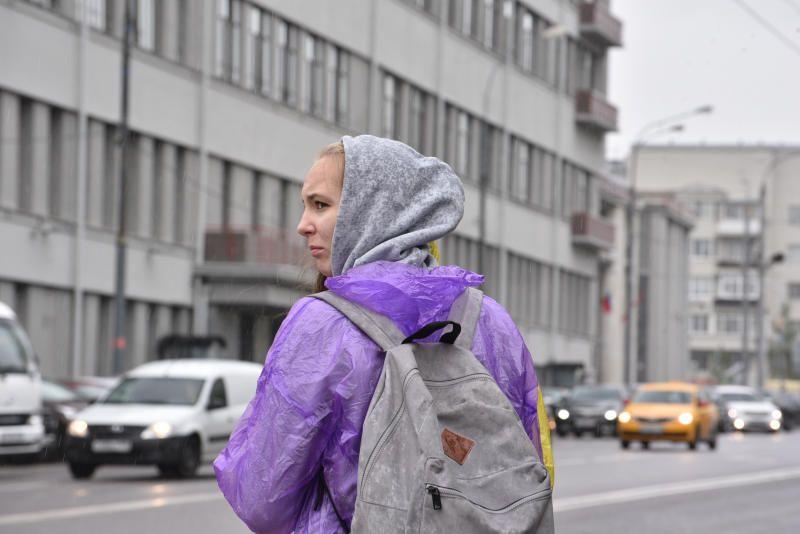 Погода во вторник в Москве будет теплой и дождливой