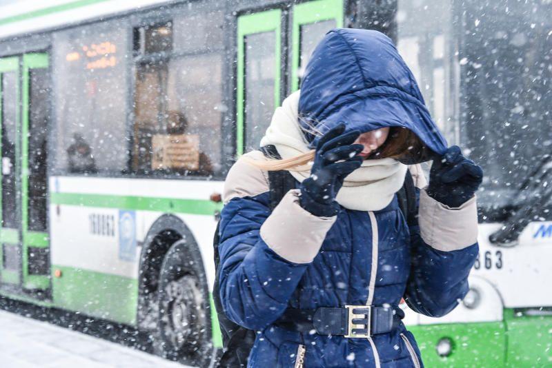 Снежная буря надвигается на Москву