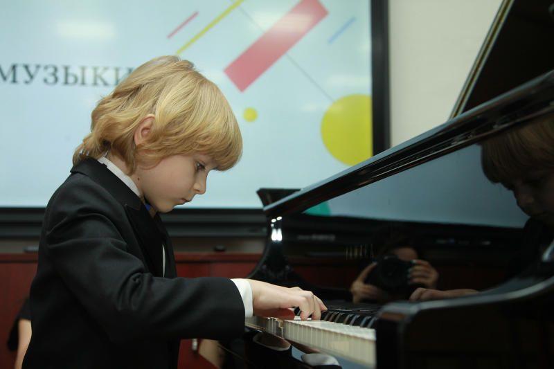Отчетный концерт детской школы искусств состоялся в Красной Пахре