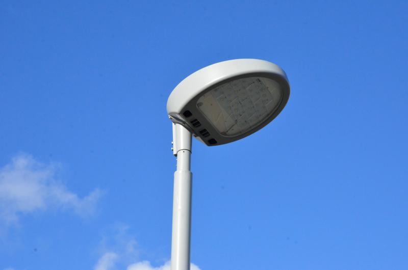 Всего 550 опор уличного освещения установят в Новофедоровском