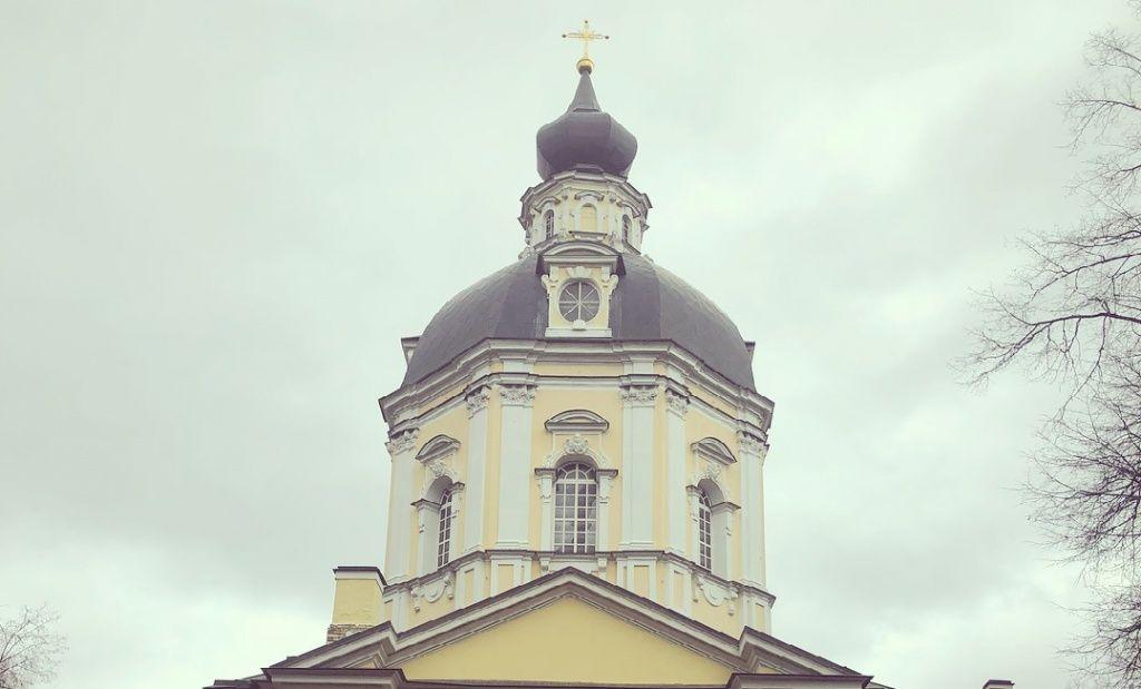 Новые окна установят в храме Вороновского