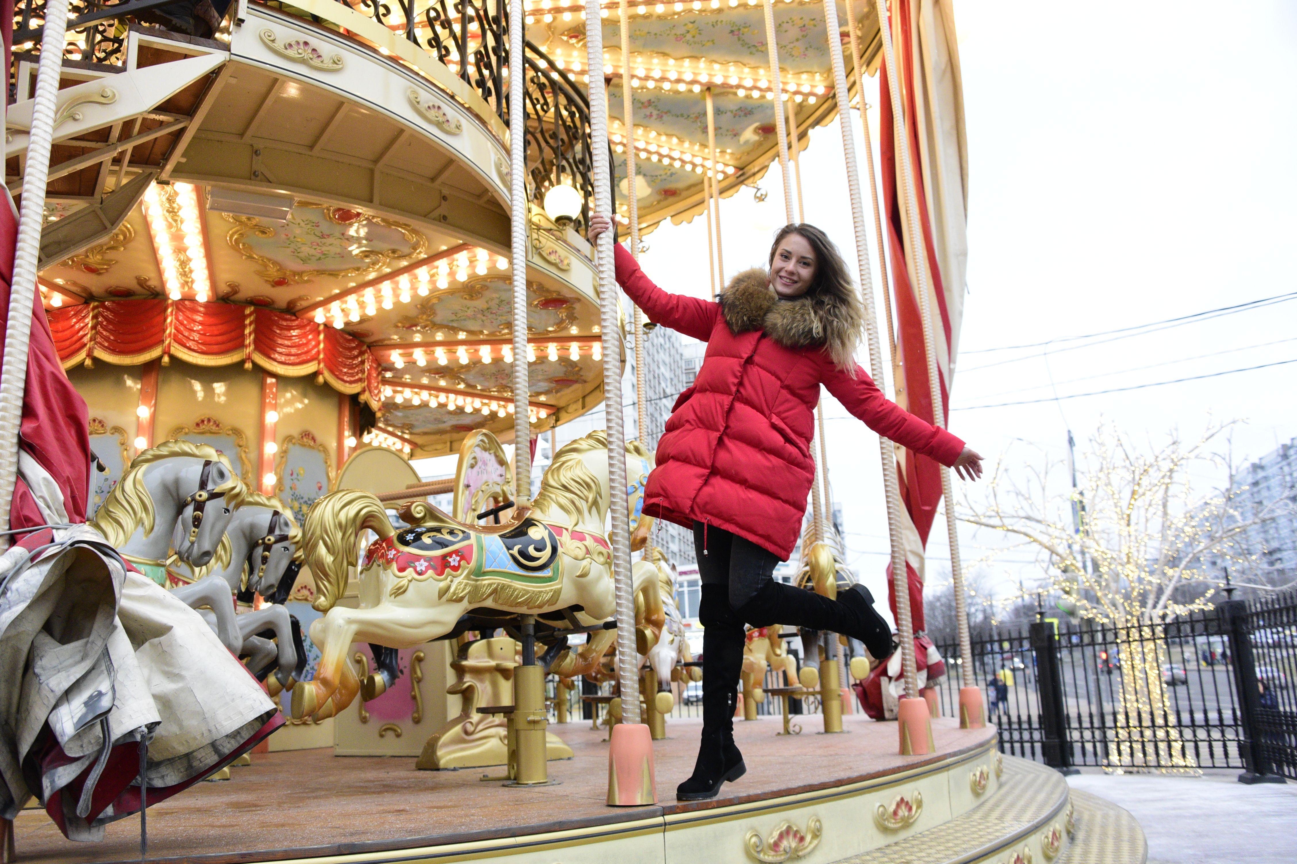 Власти столицы напомнили о продлении работы фестиваля «Путешествие в Рождество»