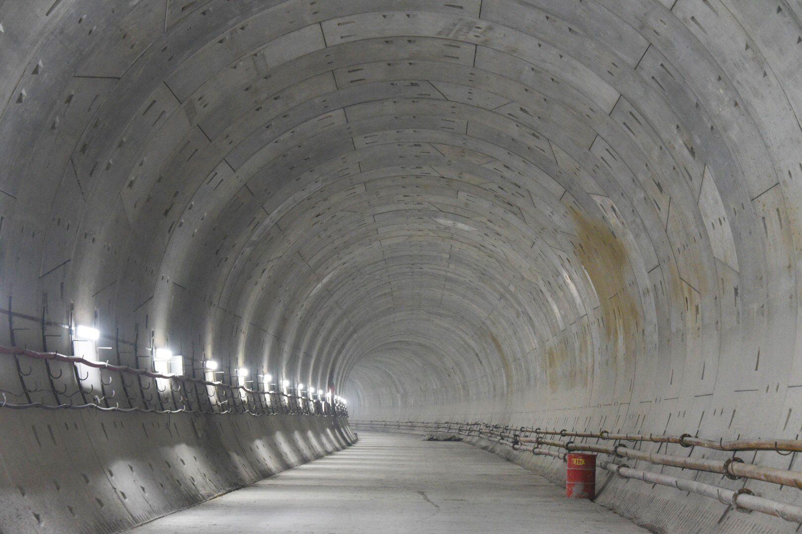 Более 25 станций метро начнут строить в Москве в этом году