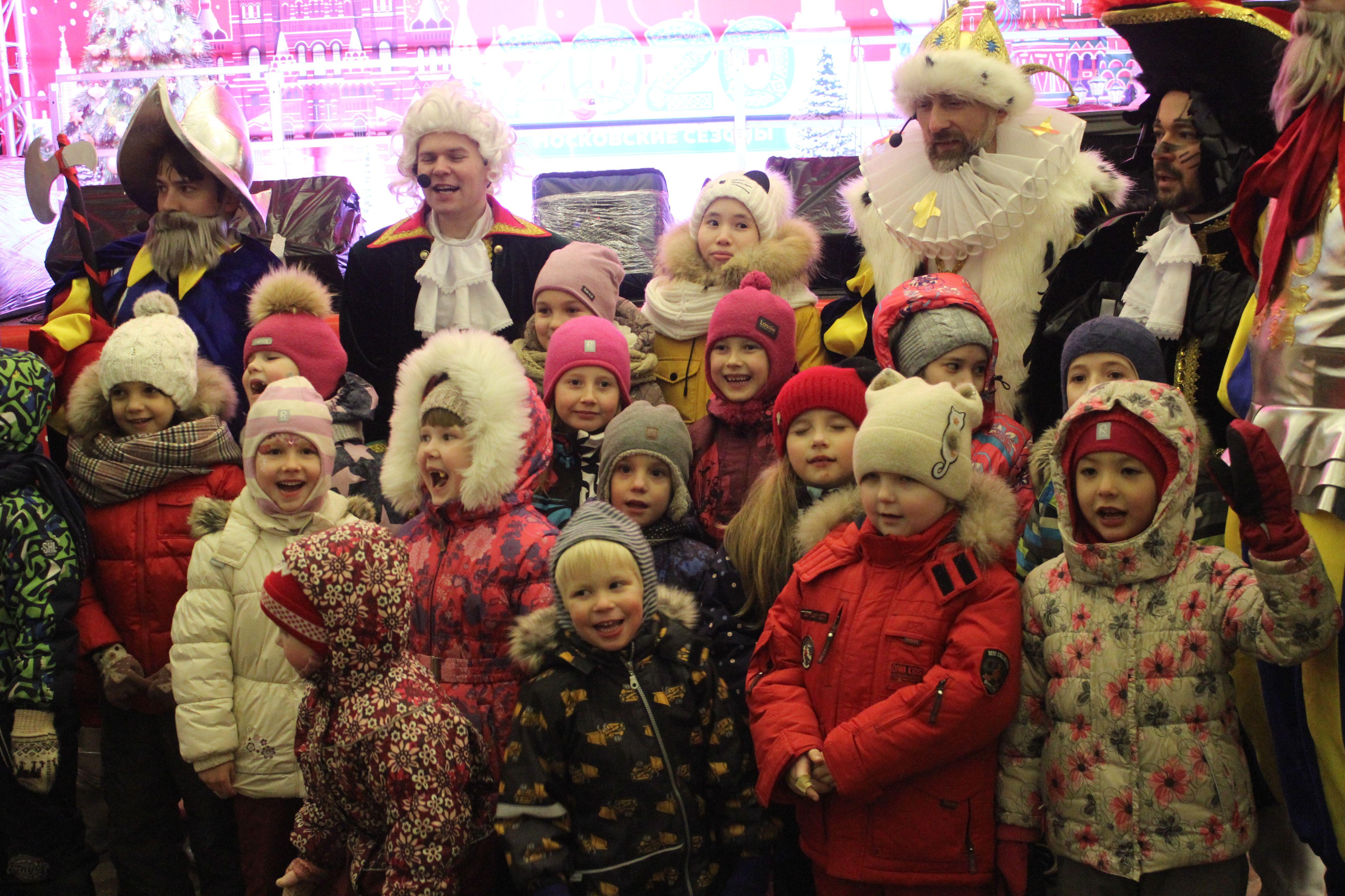 Кегельбан, Средневековье и Новый год: как проводят фестиваль «Путешествие в Рождество» в Троицке