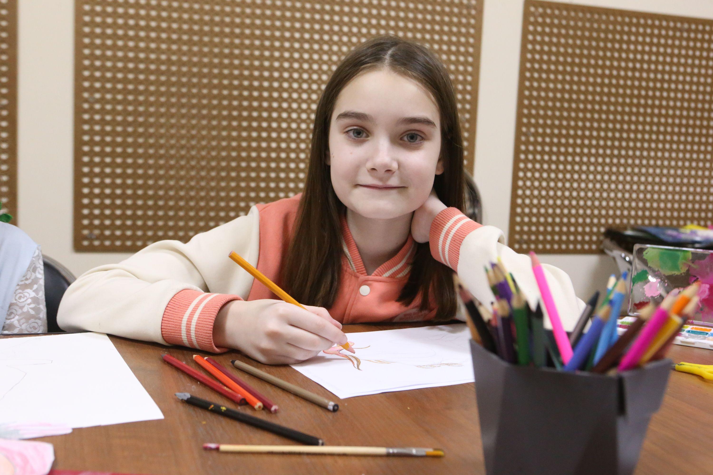 Юные художники осваивают технику грифонажа