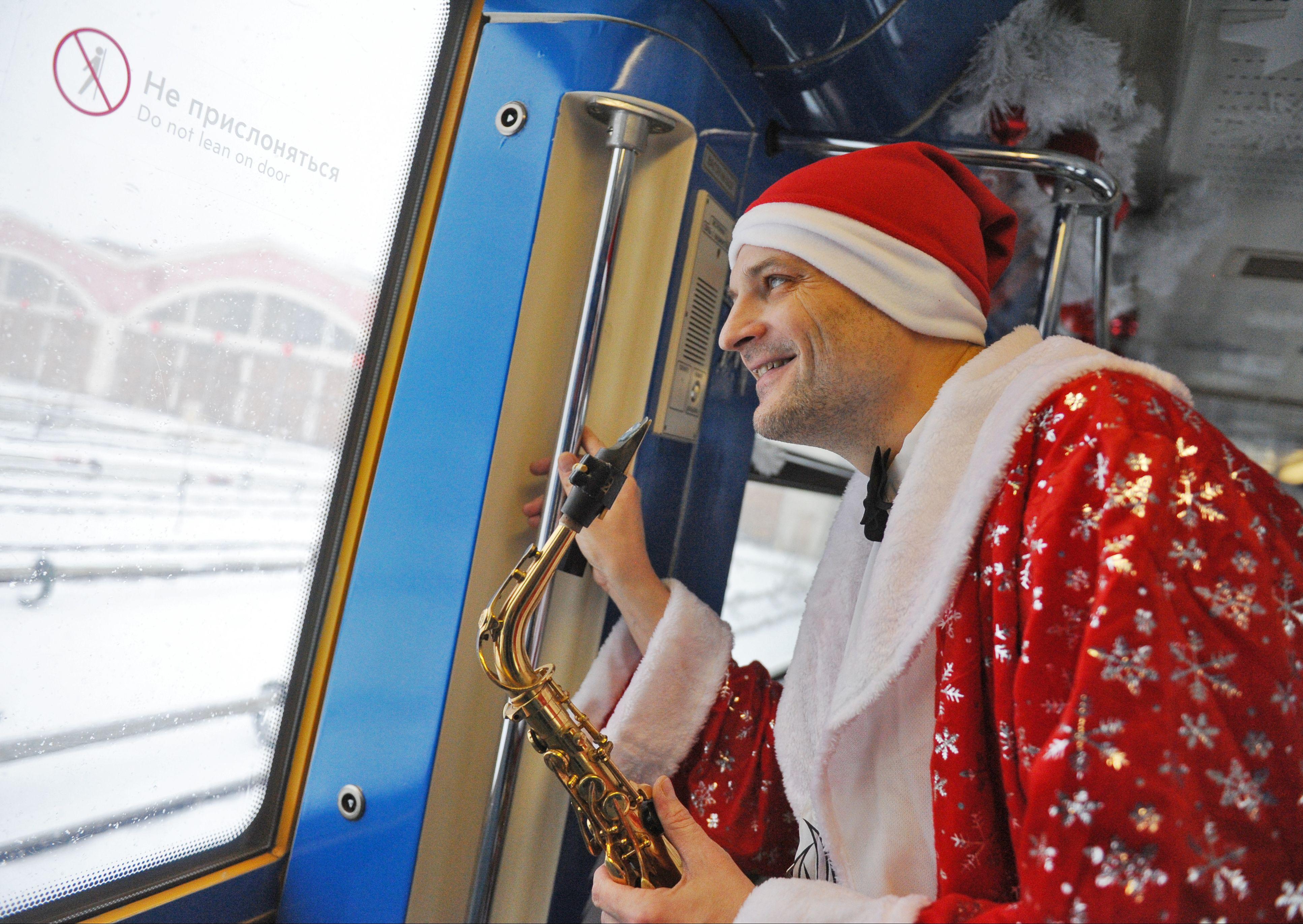 Тематические поезда метро Москвы перевезли 4,6 миллиона пассажиров в праздники
