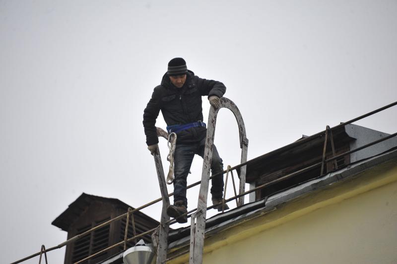 Крышу отремонтировали в многоквартирном доме в Щаповском