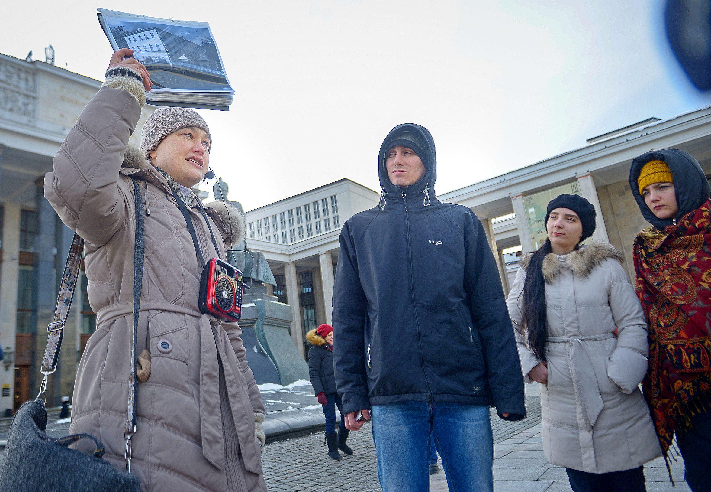Москвичи посетили более ста экскурсий в честь Дня гида
