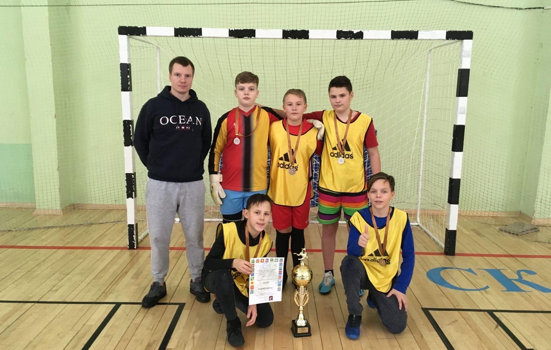 Футболисты из Марушкинского завоевали призовое место в окружных соревнованиях